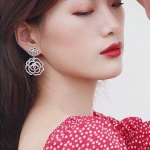 ❗️LAST ONE❗️Kate Spade Rose Drop Earrings Clear
